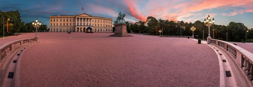 Slottet i Oslo, en av få boliger som neppe vil bli solgt av en eiendomsmegler.
