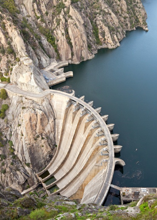 La central hidroeléctrica de Aldeadávila en Salamanca
