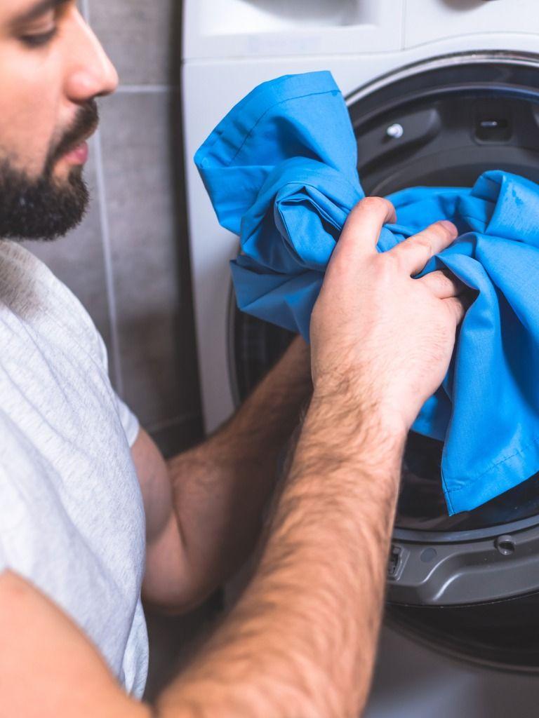 Utiliza programas cortos para ahorrar electricidad con la lavadora