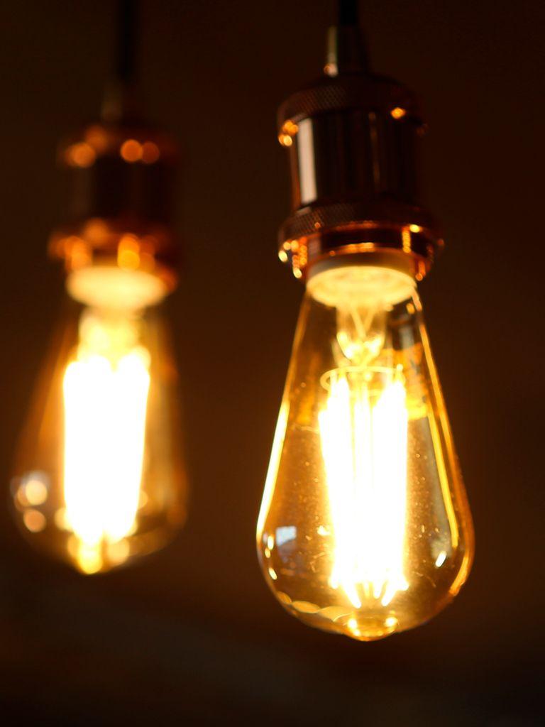 Dos potencias factura de la luz.