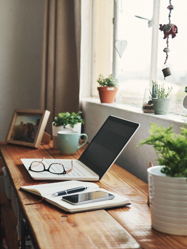 Oficina en casa con mucha luz