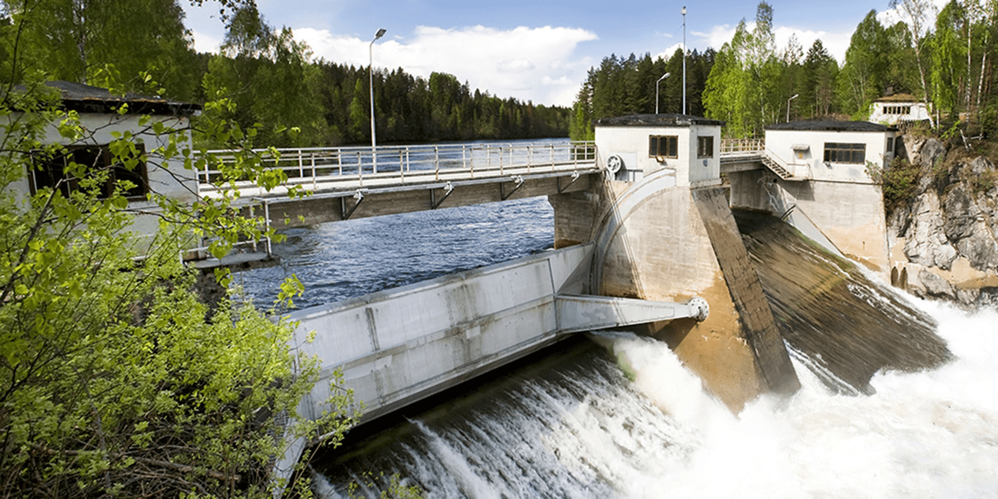 Bilde av et vannkraftverk for å illustrere elsertifikater kan selges om man satser på fornybar enegi