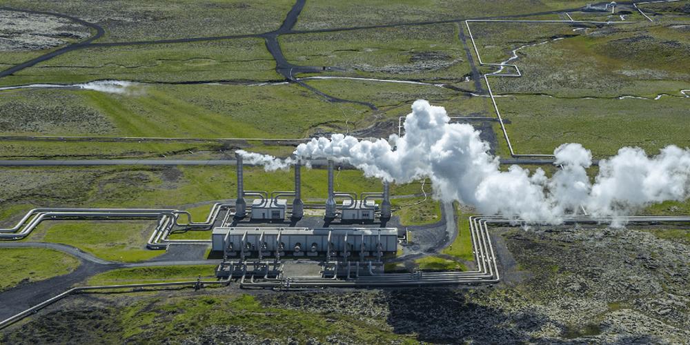 Bilde av det geotermiske kraftverket Nesjavellir på Island